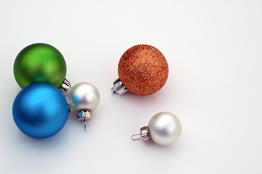 b2bcards corporate christmas eacrd ref:b2b-ecards-baubles-blue-brown-silver-green-805.jpg, Baubles, Blue,Brown,Silver,Green