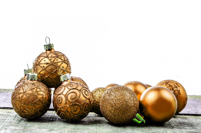 b2bcards corporate christmas eacrd ref:b2b-ecards-baubles-gold-588.jpg, Baubles, Gold