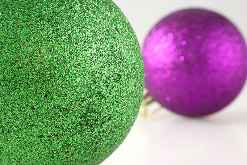 b2bcards corporate christmas eacrd ref:b2b-ecards-baubles-green-pink-380.jpg, Baubles, Green,Pink