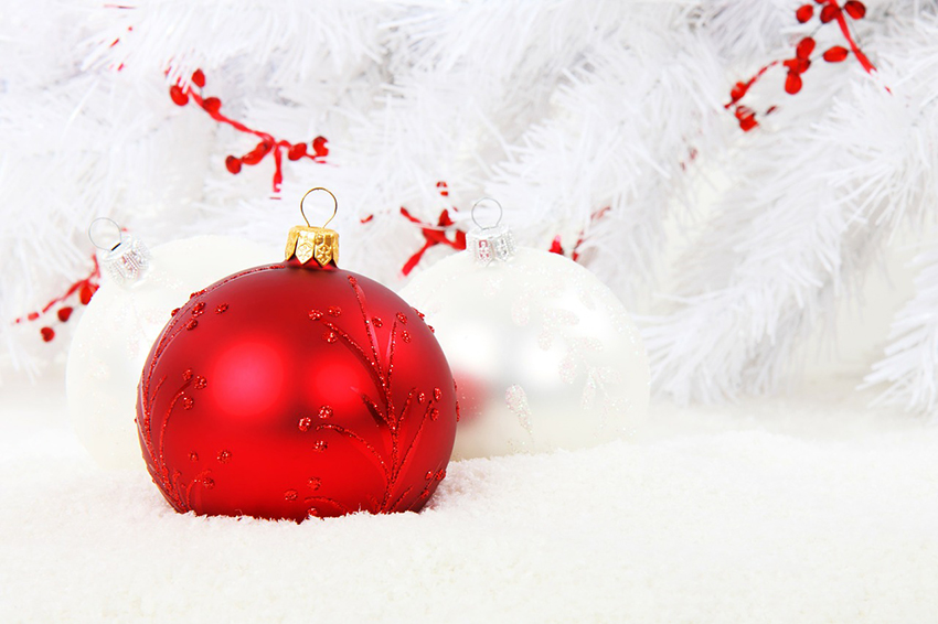b2bcards corporate christmas eacrd ref:b2b-ecards-baubles-snow-red-white-859.jpg, Baubles,Snow, Red,White