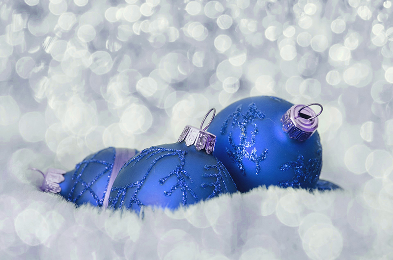 b2bcards corporate christmas eacrd ref:b2b-ecards-baubles-sparkly-blue-486.jpg, Baubles,Sparkly, Blue