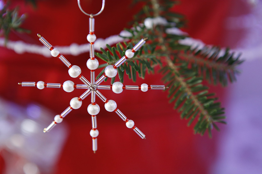 b2bcards corporate christmas eacrd ref:b2b-ecards-baubles-stars-red-white-852.jpg, Baubles,Stars, Red,White