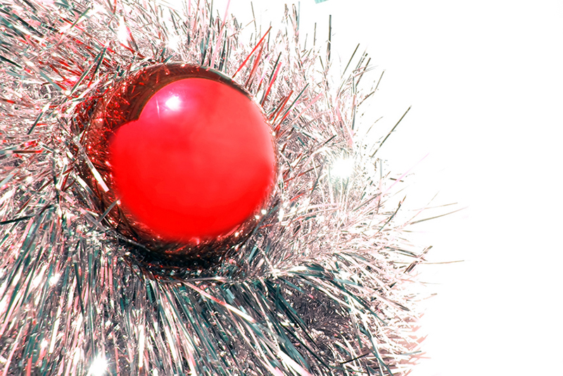 b2bcards corporate christmas eacrd ref:b2b-ecards-baubles-tinsel-red-silver-339.jpg, Baubles,Tinsel, Red,Silver