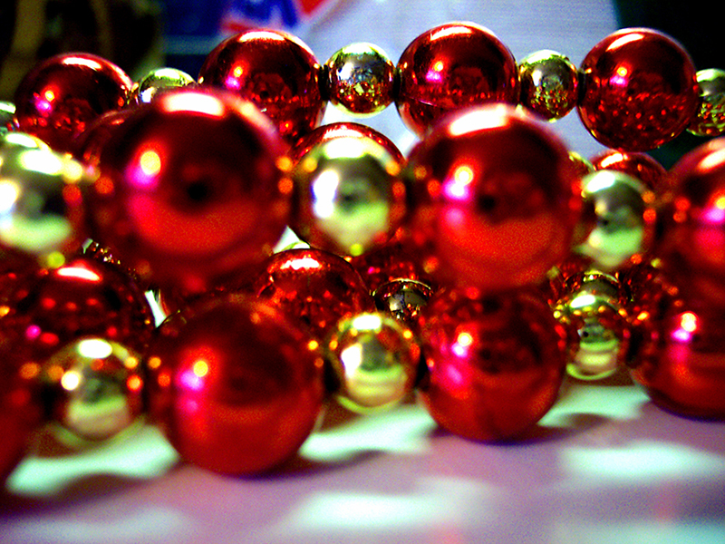 b2bcards corporate christmas eacrd ref:b2b-ecards-beads-red-gold-440.jpg, Beads, Red,Gold
