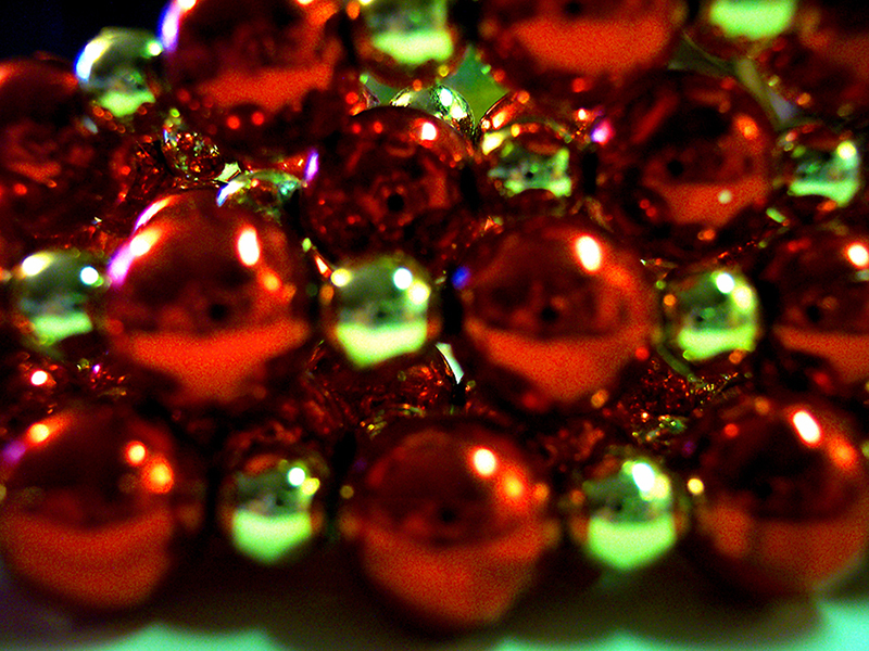 b2bcards corporate christmas eacrd ref:b2b-ecards-beads-red-green-430.jpg, Beads, Red,Green