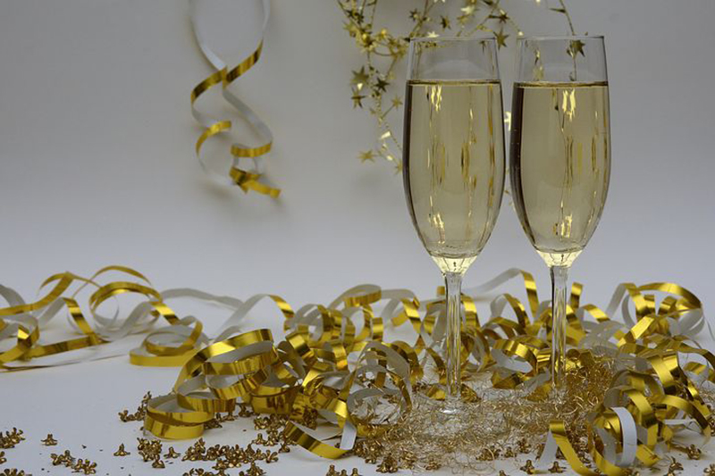 b2bcards corporate christmas eacrd ref:b2b-ecards-champagne-new-year-celebration-gold--glass-1021.jpg, Champagne,New Year,Celebration, Gold,Glass