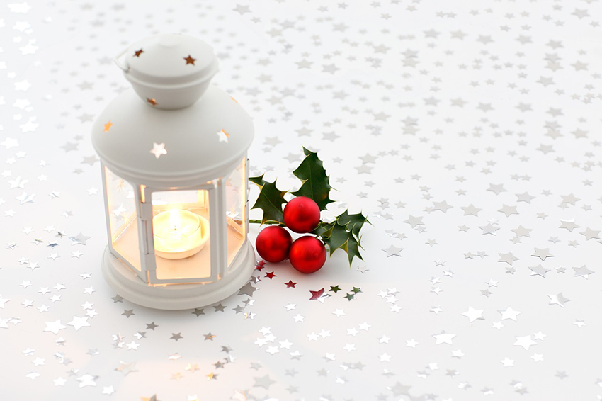 b2bcards corporate christmas eacrd ref:b2b-ecards-holly-berries-candles-white-900.jpg, Holly,Berries,Candles, White