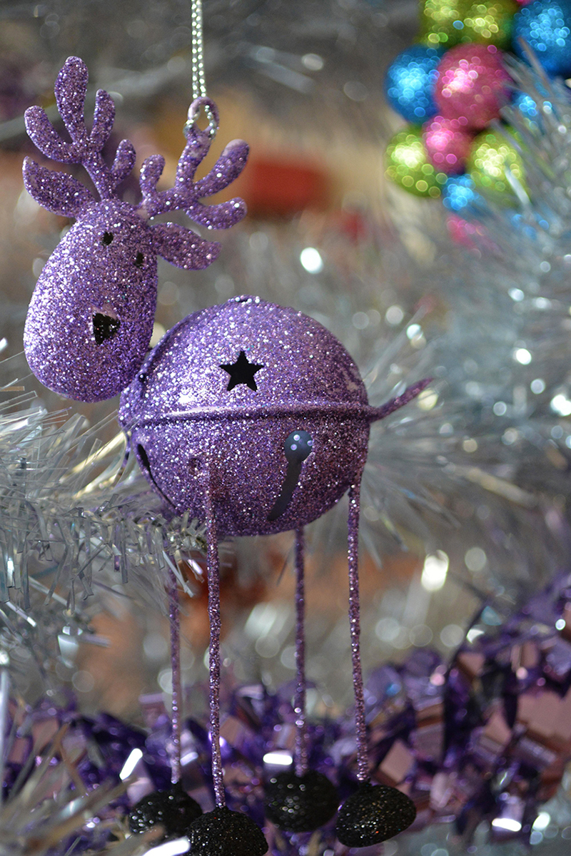 b2bcards corporate christmas eacrd ref:b2b-ecards-reindeer-rudolph-baubles-purple-silver-colours-689.jpg, Reindeer,Rudolph,Baubles, Purple,Silver,Colours