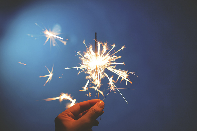 b2bcards corporate christmas eacrd ref:b2bcards-blue-sparkler-new-year.jpg, New Year,Sparkler,Hand, Blue,Gold