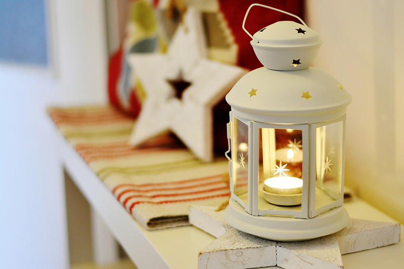 b2bcards corporate christmas eacrd ref:b2bcards-star-lantern-white.jpg, Lantern,Stars, Colours,Cream